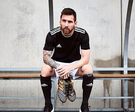 """Adidas lança versão """"Skystalker"""" para Nemeziz Messi 17+"""
