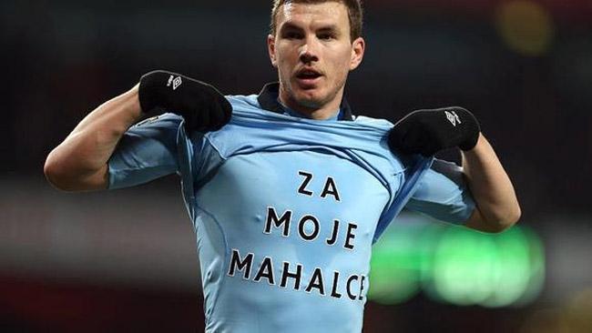 Edin Dzeko mensagem após gol