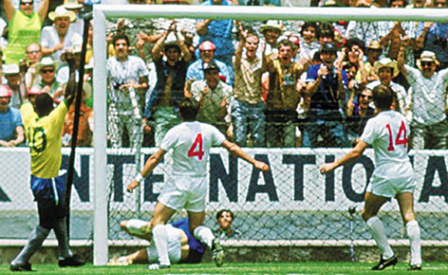 Dia do Goleiro, Gordon Banks faz a defesa mais difícil da história das Copas do Mundo