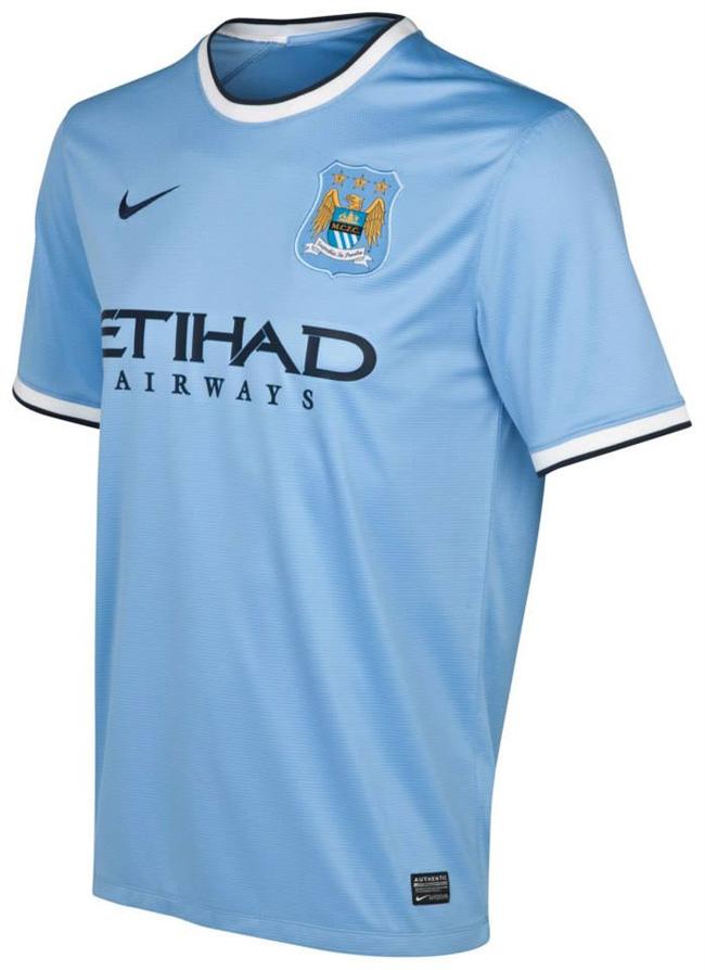 Camisa azul clara do Manchester City 2013-2014