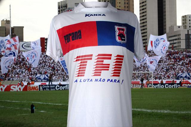 Paraná terá patrocínio de torcida organizada em camisa por 2 jogos