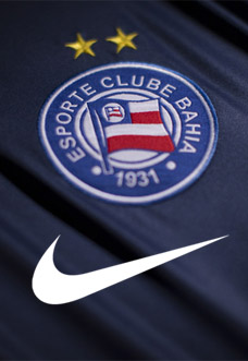 Torcida do Bahia desaprova a Nike