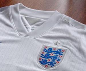 Camisas da Inglaterra 2014-2015 Copa do Mundo capa