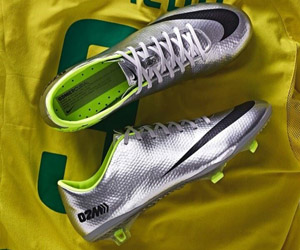 Nike relança chuteira usada por Ronaldo em 2002 capa