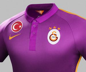Terceira camisa roxa do Galatasaray 2014-2015 Nike