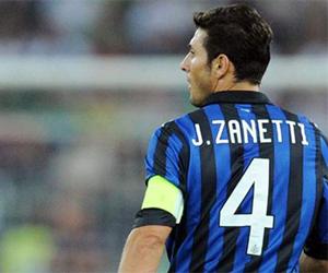 Camisa 4 de Javier Zanetti será aposentada na Inter de Milão capa