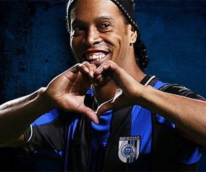 Camisas do Queretaro, clube mexicano de Ronaldinho Gaúcho capa
