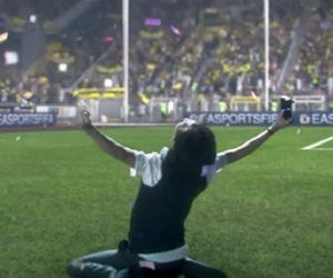 Comercial do FIFA 15 para X-BOX Sinta o jogo capa