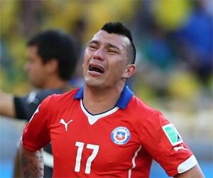 Jogadores do Chile acusam Puma de fornecer camisa réplica para amistosos capa