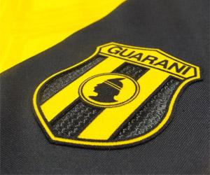 Camisas do Club Guaraní 2015 Diadora capa