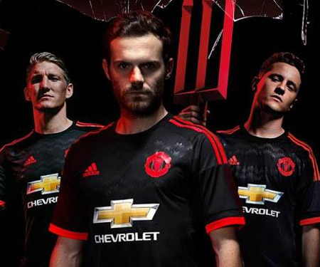 Terceira camisa do Manchester United 2015-2016 Adidas capa