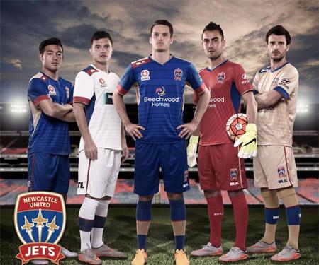 Camisas do Newcastle Jets 2015-2016 BLK