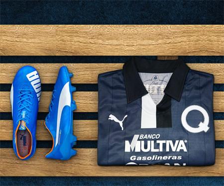 Camisa comemorativa aos 65 anos do Queretaro FC Puma capa