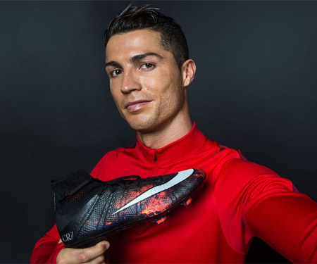Chuteira Cristiano Ronaldo Savage Beauty Beleza Selvagem capa