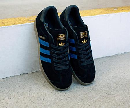 Tênis Stretford Manchester United Adidas Originals capa
