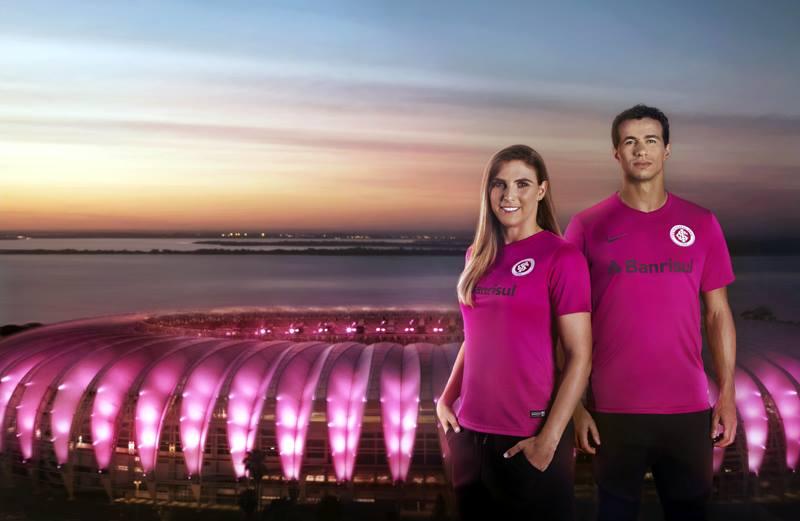 Camisa rosa do Internacional