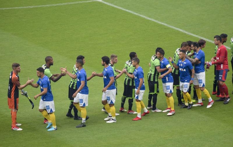 Cruzeiro atua com meiões amarelos para alertar sobre Febre Amarela abre