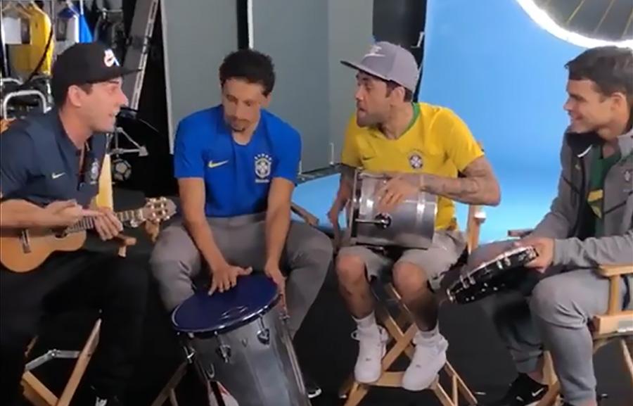 Dani Alves Camisas da Seleção Brasileira