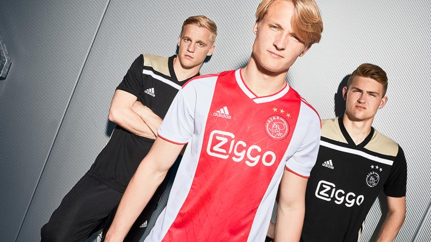 Camisas do Ajax 2018-2019 Adidas abre
