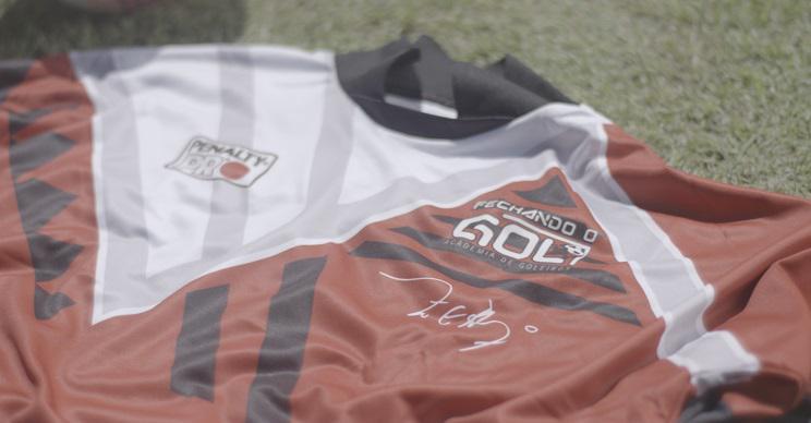 Dia do goleiro Penalty cria camisa retrô em homenagem ao Zetti