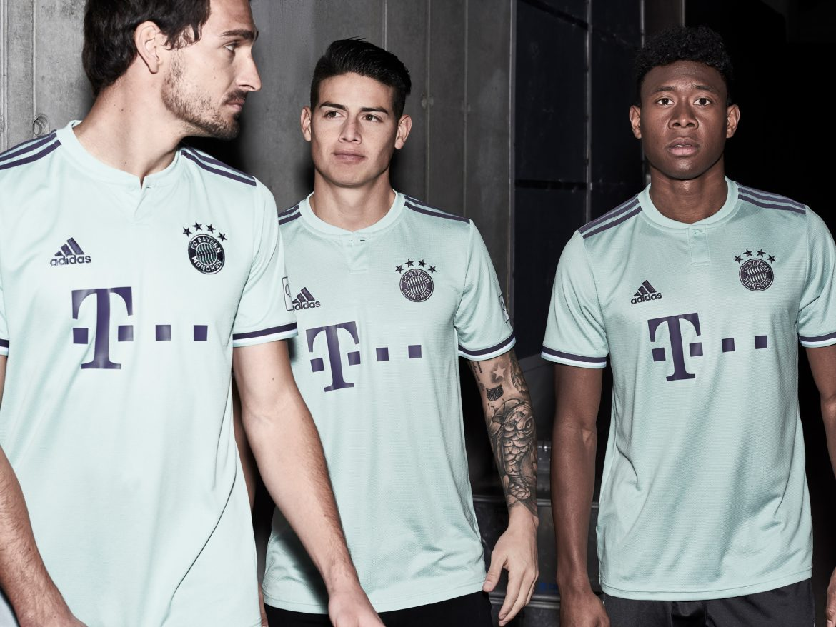 Camisa reserva do Bayern de Munique 2018-2019 Adidas