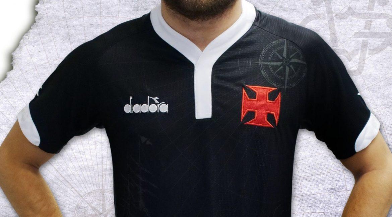 Terceira camisa do Vasco da Gama 2018-2019 Diadora abre