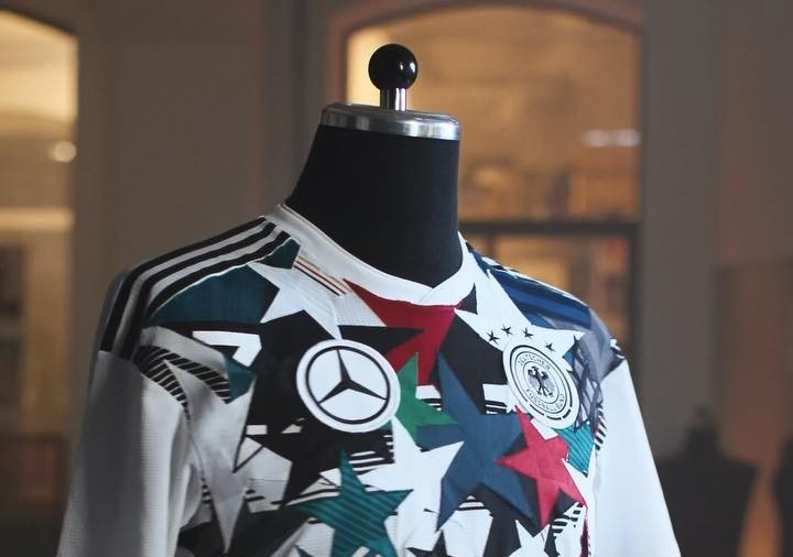 Camisa mash-up Alemanha x Mercedes 46 anos