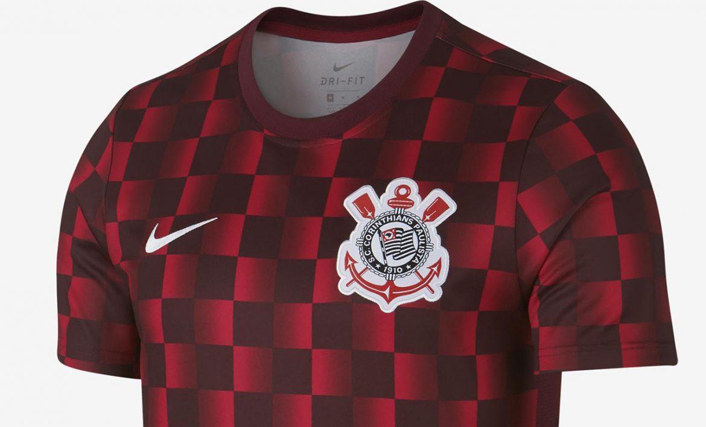 Camisa pré-jogo quadriculada do Corinthians 2019 Nike abre
