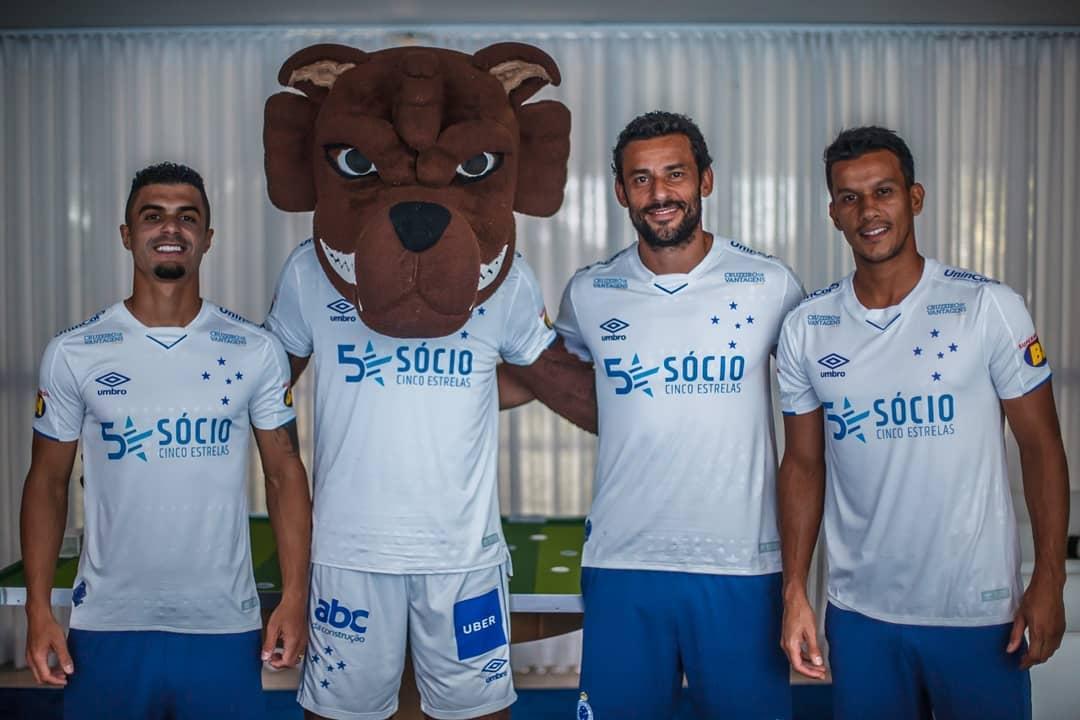 Camisa reserva do Cruzeiro 2019 Umbro abre