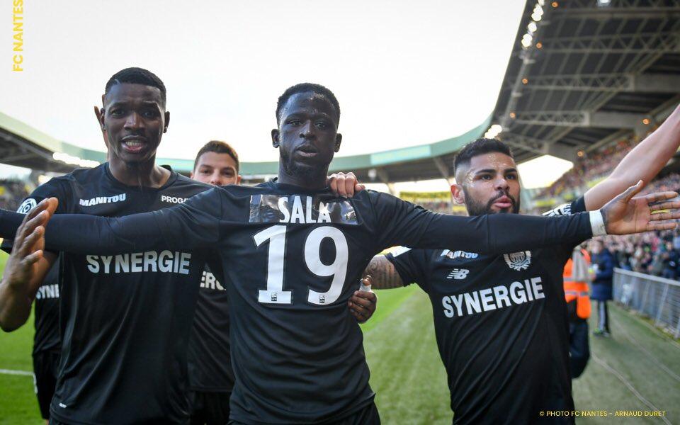 Em luto por Emiliano Sala, FC Nantes joga com uniforme preto