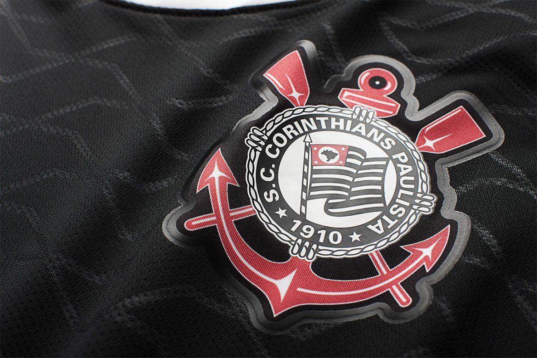 Escudo do Corinthians na camisa