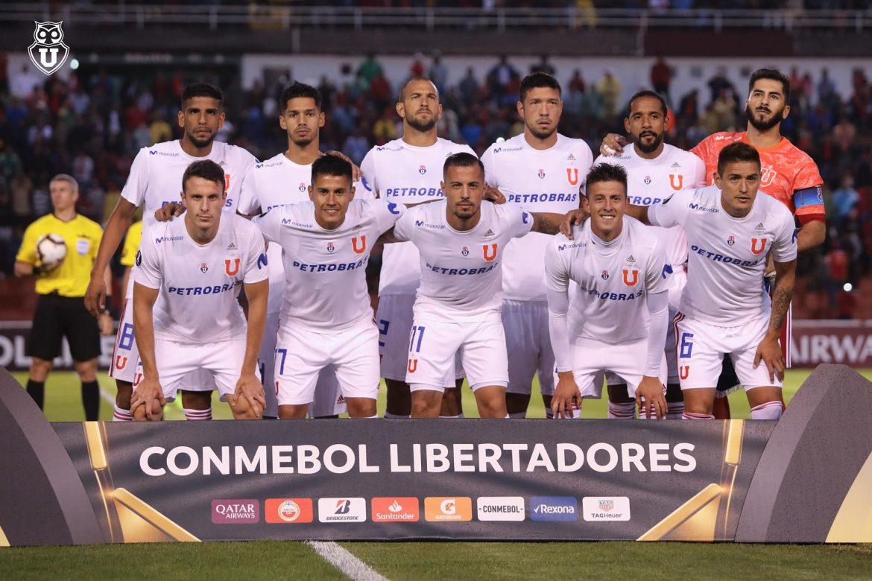 La U uniforme tampão na Libertadores