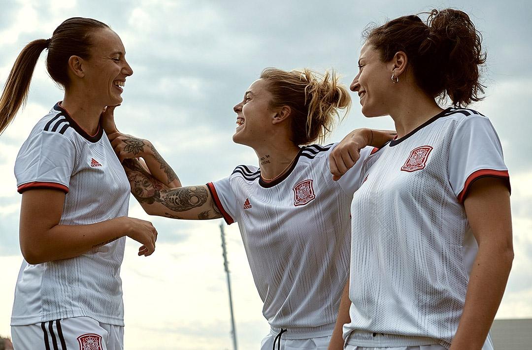 Camisas da Seleção Feminina da Espanha 2019 Adidas Reserva abre