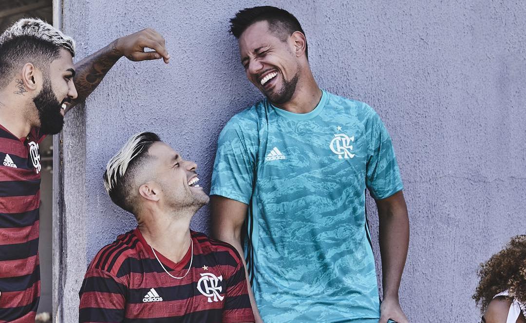 Camisa de goleiro do Flamengo 2019-2020 Adidas abre