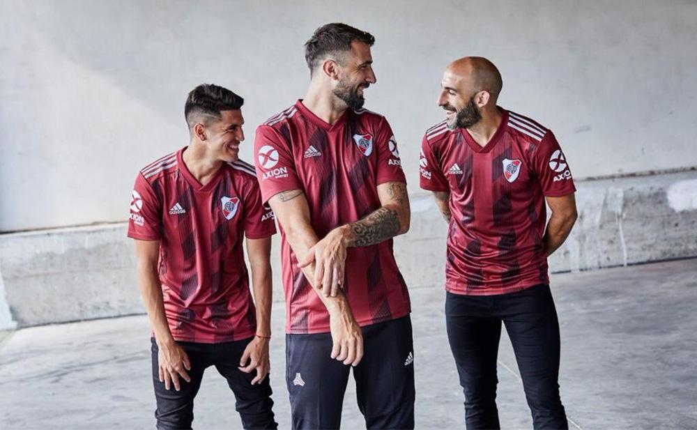 Camisa vinho do River Plate 2019-2020 Adidas Torino abre