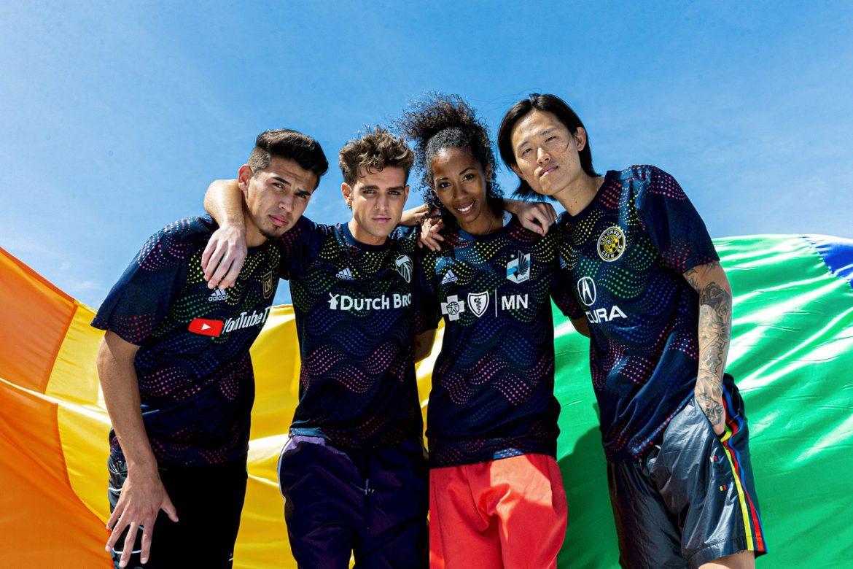 MLS lança camisas pre-match para a Pride Night