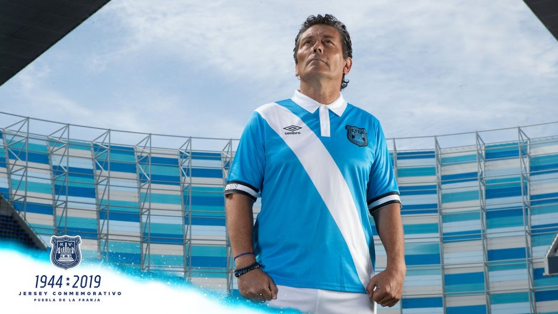Camisas do Club Puebla 2019-2020 Umbro terceira 75 anos