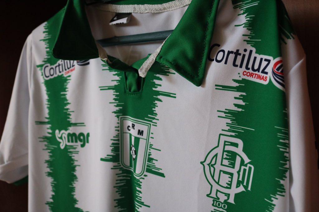 Racing de Montevidéu lança camisa com grito da torcida 3