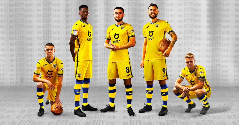 Swansea Town Terceira camisa do Swansea City 2019-2020 Joma abre