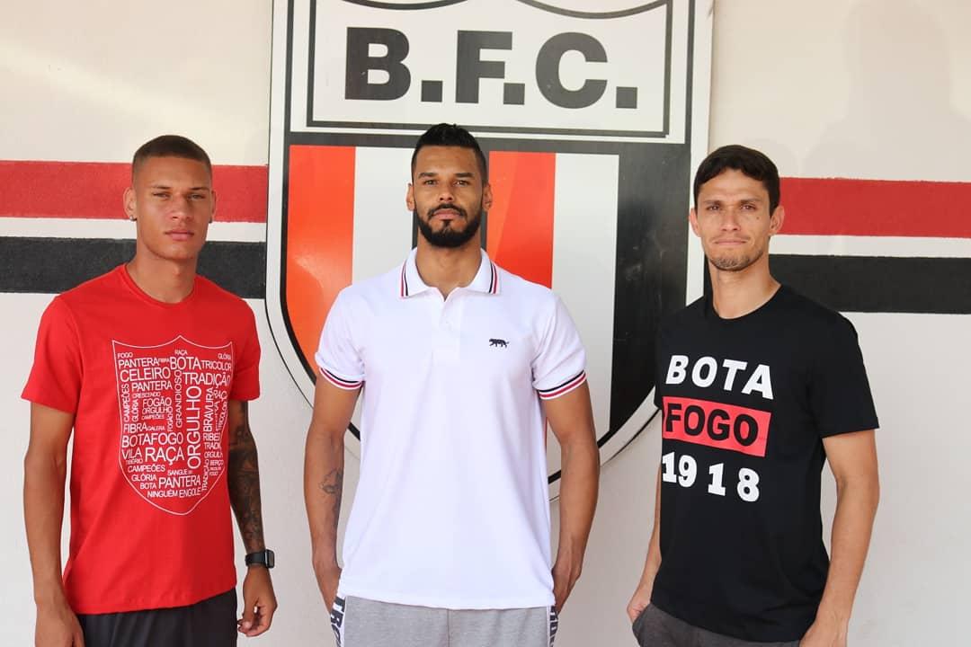 Botafogo-SP lança marca própria de roupas casuais