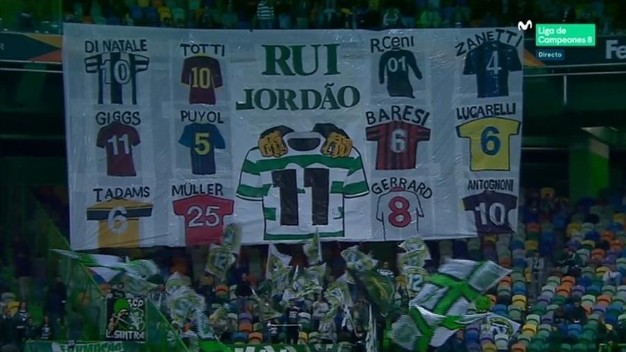 Rogério Ceni é lembrado em bandeirão do Sporting Club
