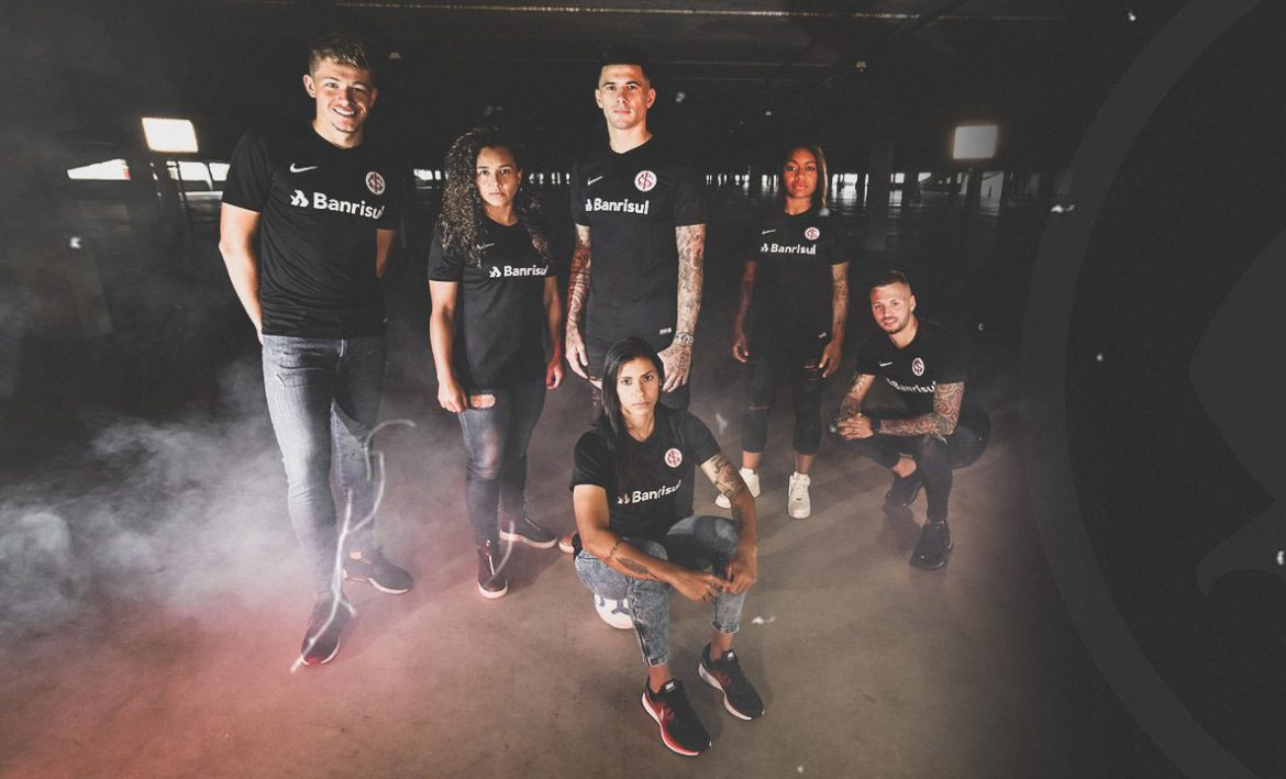 Terceira camisa do Internacional 2019 Nike abre