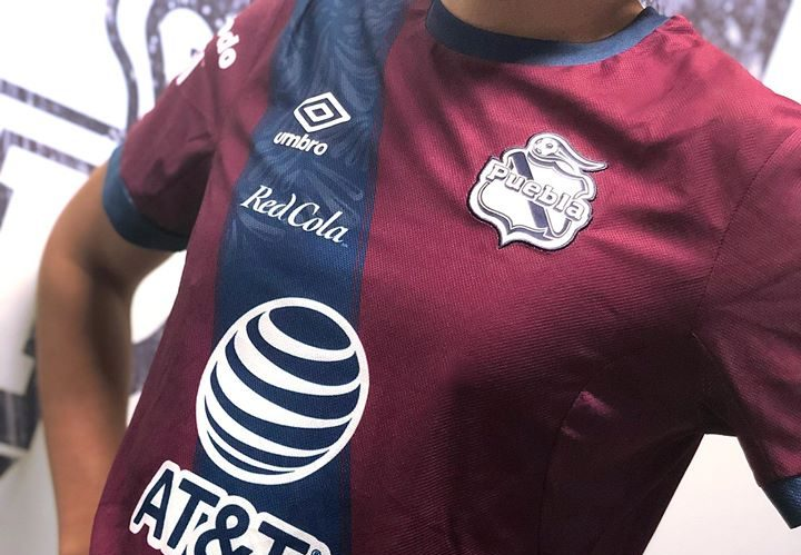 Camisa de Gala do Club Puebla