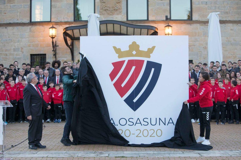 logo do centenário do Osasuna abre