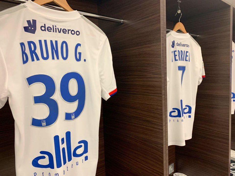 Bruno Guimarães escolheu a 39 no Lyon e precisou até de autorização especial
