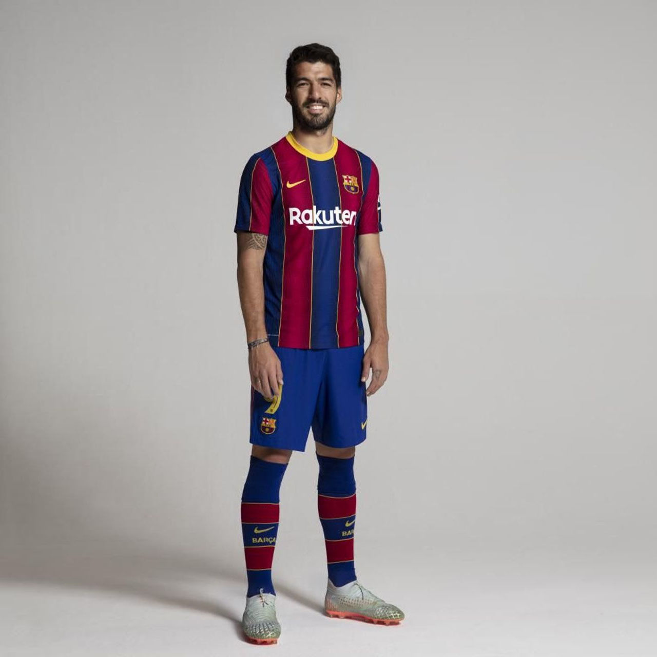 Camisas do FC Barcelona 2020-2021 Nike Suarez