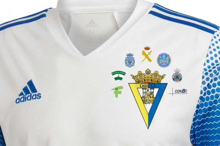 Cádiz CF lança camisa em prol da linha de frente contra o Covid