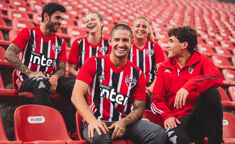 Camisa listrada do São Paulo FC 2020-2021 Adidas abre
