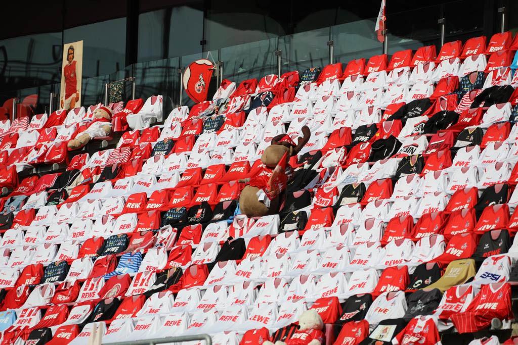 FC Colonia usa camisas para preencher cadeiras no retorno da Bundesliga