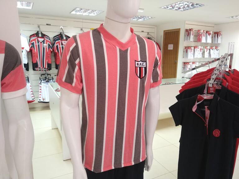 Botafogo-SP lança duas novas camisas retrô